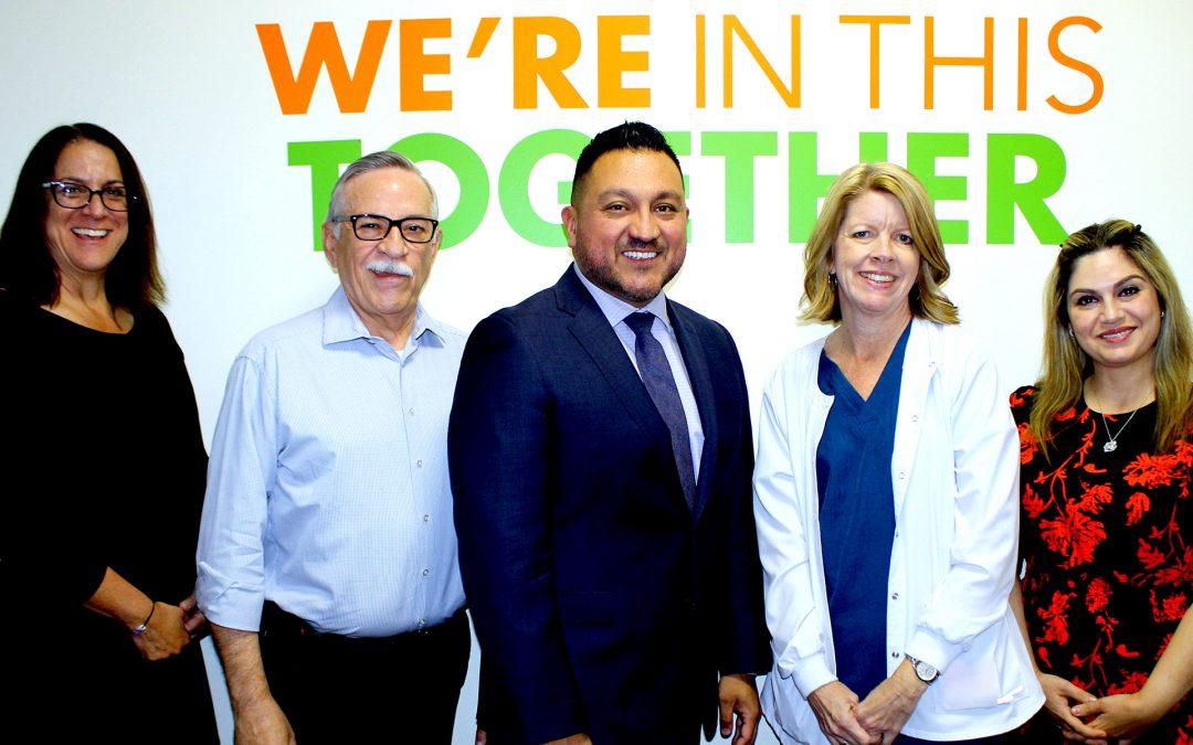 VALLEY COMMUNITY HEALTHCARE TOMA MEDIDAS PARA ASEGURAR QUE EL PERSONAL ESTÉ DISPONIBLE PARA EL CUIDADO DE PACIENTE